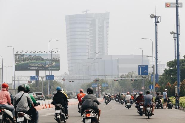 Toà nhà cao nhất Việt Nam mờ ảo trong bụi mù, Sài Gòn tiếp tục bị ô nhiễm nặng những ngày giáp Tết - Ảnh 12.
