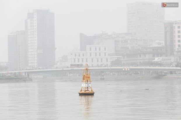 Toà nhà cao nhất Việt Nam mờ ảo trong bụi mù, Sài Gòn tiếp tục bị ô nhiễm nặng những ngày giáp Tết - Ảnh 17.