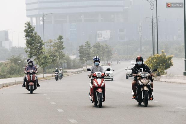 Toà nhà cao nhất Việt Nam mờ ảo trong bụi mù, Sài Gòn tiếp tục bị ô nhiễm nặng những ngày giáp Tết - Ảnh 10.