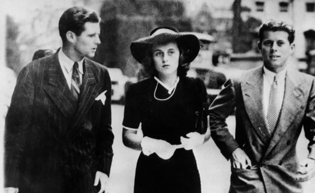 Nàng tiểu thư có 1-0-2 của gia tộc Kennedy: Từng làm nhiều đàn ông chao đảo, nổi loạn bất quy tắc nhưng kết cục cuộc đời khiến ai cũng bàng hoàng - Ảnh 2.