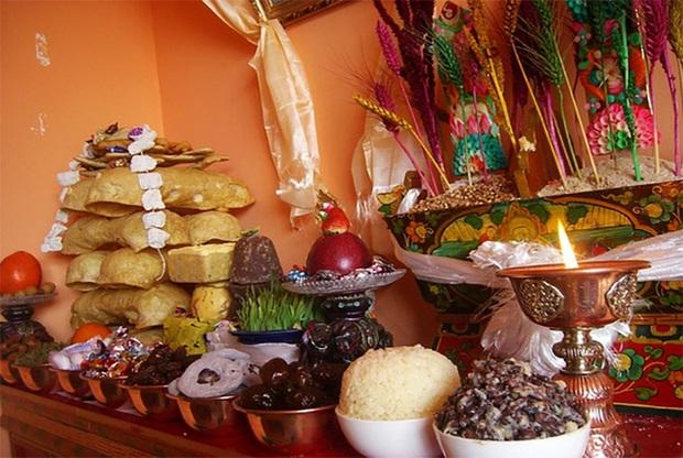 Nét độc đáo trong Tết cổ truyền của Vương quốc hạnh phúc nhất thế giới Buhtan, các cửa hàng thịt đều phải đóng cửa - Ảnh 1.
