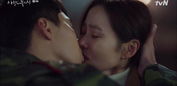 Hyun Bin vượt rào hôn Son Ye Jin say đắm, Crash Landing on You leo thẳng top 1 tìm kiếm xứ Hàn - Ảnh 7.