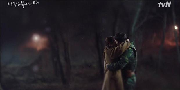 Hyun Bin vượt rào hôn Son Ye Jin say đắm, Crash Landing on You leo thẳng top 1 tìm kiếm xứ Hàn - Ảnh 8.