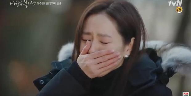 Son Ye Jin về đất mẹ vẫn khóc nức nở, Hyun Bin nhớ crush đến mất ngủ trong preview tập 10 Crash Landing on You - Ảnh 4.