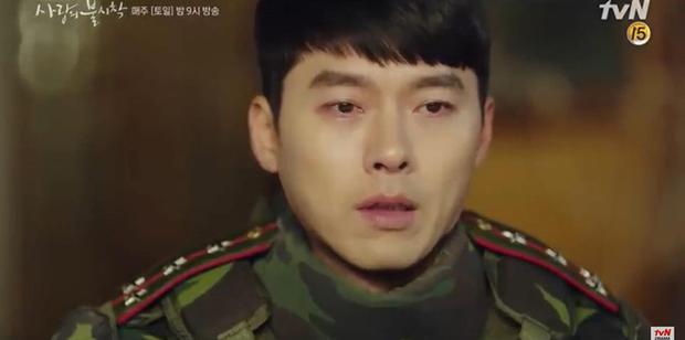 Son Ye Jin về đất mẹ vẫn khóc nức nở, Hyun Bin nhớ crush đến mất ngủ trong preview tập 10 Crash Landing on You - Ảnh 2.