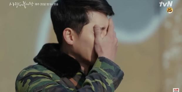 Son Ye Jin về đất mẹ vẫn khóc nức nở, Hyun Bin nhớ crush đến mất ngủ trong preview tập 10 Crash Landing on You - Ảnh 6.