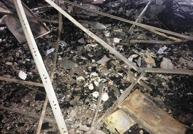 Hiện trường vụ cháy tòa nhà dầu khí Thanh Hóa khiến 2 người chết, 13 người bị thương - Ảnh 13.