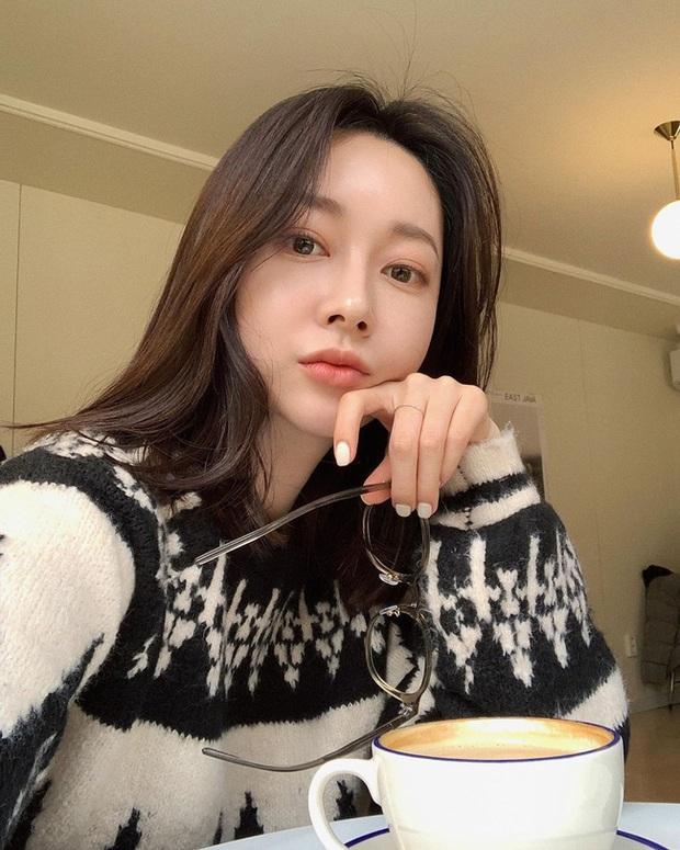 Rút kinh nghiệm từ những màn makeup lỗi trong phim Hàn, chị em cần tránh 3 sai lầm sau kẻo đầu năm đã thành thảm họa - Ảnh 3.