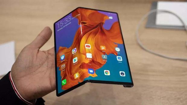 Vậy là Galaxy Fold đã trở thành smartphone màn hình gập tốt nhất năm 2019 - Ảnh 3.