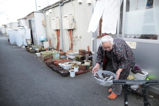 Nhật Bản là đất nước phát triển bậc nhất nhưng phụ nữ nước này đang phải đối mặt với viễn cảnh nghèo khó sau khi sinh con và nghỉ hưu - Ảnh 7.