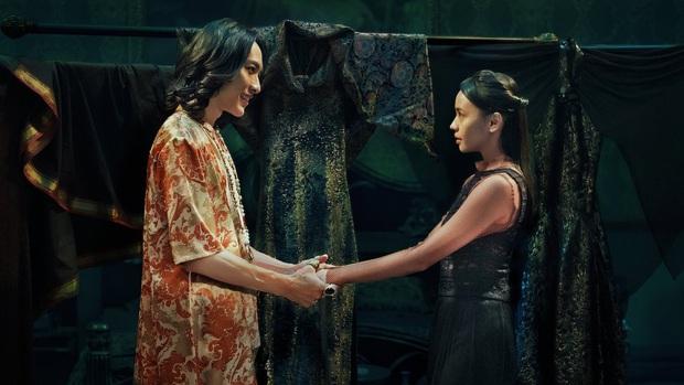 Bị ép cưới chú rể ma, cô gái trẻ lạc vào hành trình đến cõi âm trong The Ghost Bride - Ảnh 7.