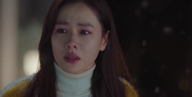 Cười sái quai hàm với 3 màn vì trai đẹp mà thiếu nghị lực của Son Ye Jin ở Crash Landing On You - Ảnh 4.