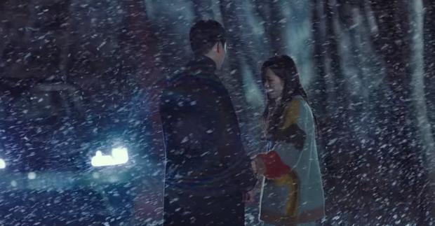 Cười sái quai hàm với 3 màn vì trai đẹp mà thiếu nghị lực của Son Ye Jin ở Crash Landing On You - Ảnh 6.
