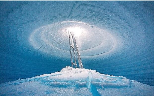Chùm ảnh mùa đông băng tuyết trắng xóa phủ khắp vạn vật đẹp đến mê hồn, trông như khung cảnh trong truyện cổ tích - Ảnh 13.