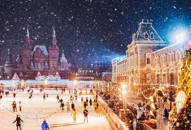 Chùm ảnh mùa đông với băng tuyết trắng xóa phủ khắp vạn vật đẹp đến mê hồn, trông tựa như khung cảnh trong truyện cổ tích - Ảnh 7.
