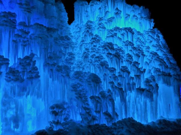 Chùm ảnh mùa đông với băng tuyết trắng xóa phủ khắp vạn vật đẹp đến mê hồn, trông tựa như khung cảnh trong truyện cổ tích - Ảnh 5.