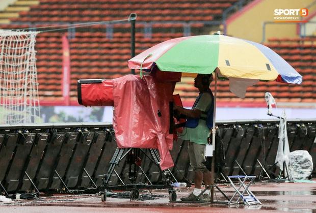 Trận đấu của Hà Nội FC trên đất Malaysia bị huỷ đột ngột chỉ sau 1 hiệp đấu - Ảnh 3.