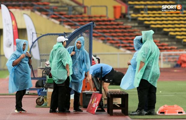 Trận đấu của Hà Nội FC trên đất Malaysia bị huỷ đột ngột chỉ sau 1 hiệp đấu - Ảnh 4.