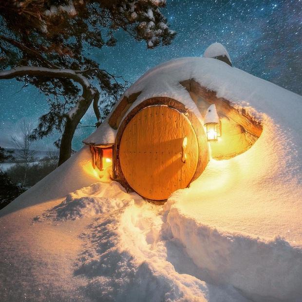Chùm ảnh mùa đông băng tuyết trắng xóa phủ khắp vạn vật đẹp đến mê hồn, trông như khung cảnh trong truyện cổ tích - Ảnh 14.