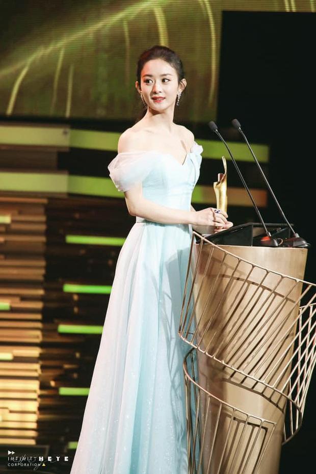 Triệu Lệ Dĩnh gây sốt với visual quá đỉnh tại Tencent Awards: Gái một con trông mòn con mắt là đây! - Ảnh 1.