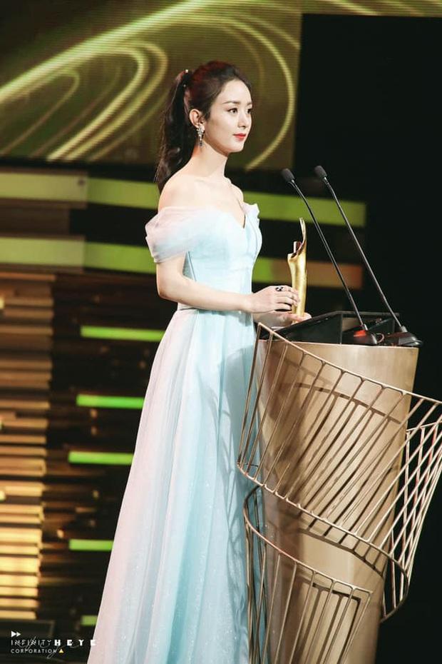 Triệu Lệ Dĩnh gây sốt với visual quá đỉnh tại Tencent Awards: Gái một con trông mòn con mắt là đây! - Ảnh 2.