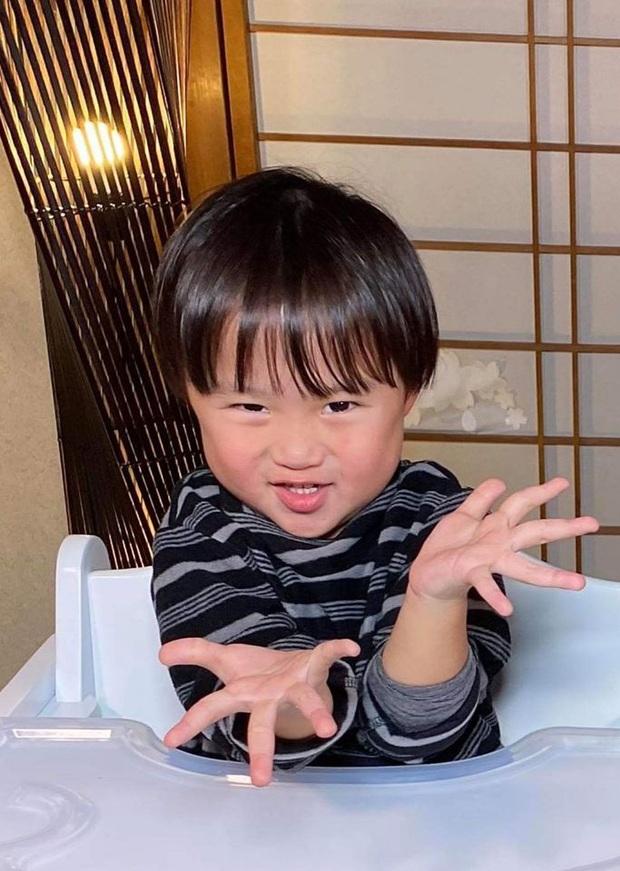 Bỏ qua lùm xùm về kênh YouTube triệu subs, Quỳnh Trần JP đón tin vui mới khi kênh của bé Sa vừa chính thức ẵm nút Bạc - Ảnh 1.