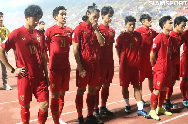 Cầu thủ U23 Thái Lan khóc nức nở, gọi quyết định thổi penalty của trọng tài là một tai nạn - Ảnh 1.