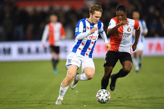 Văn Hậu dự bị, SC Heerenveen toang toàn tập ở vị trí hậu vệ trái và nhận trận thua chóng vánh trước Feyenoord - Ảnh 2.