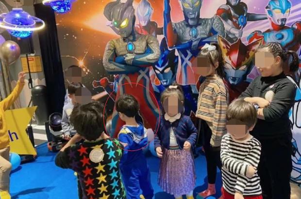 Bạn bè vô tình tiết lộ Huỳnh Hiểu Minh và bố mẹ không tham dự tiệc sinh nhật 3 tuổi của con trai do Angela Baby tổ chức - Ảnh 5.