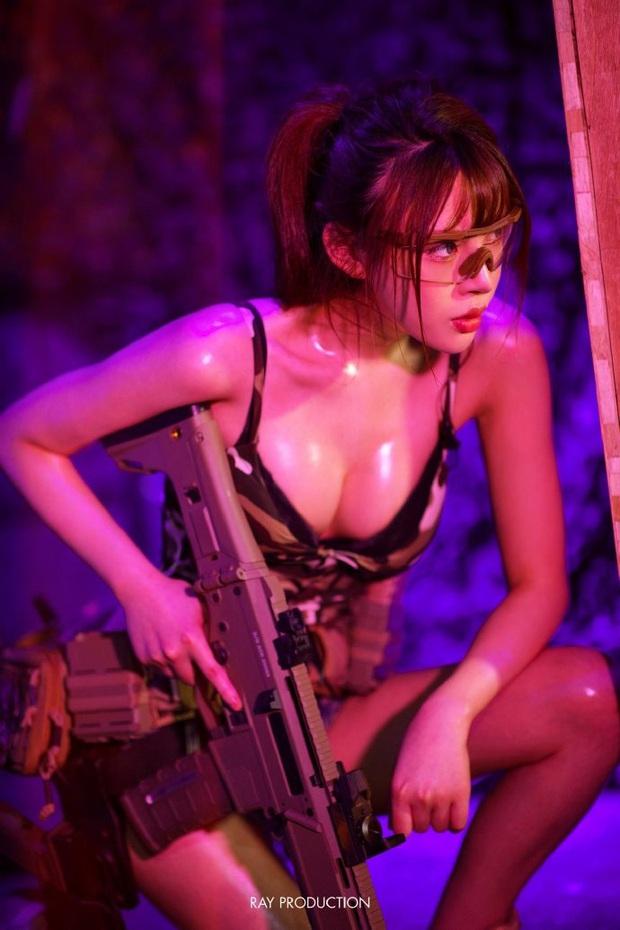 Chiêm ngưỡng những bộ cosplay PUBG nóng bỏng mắt, chỉ nhìn thôi đã muốn vác súng lên chạy bo - Ảnh 2.