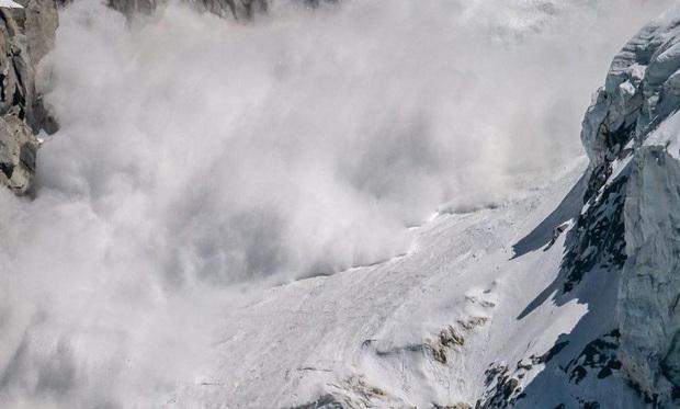 Nhiều công dân Hàn Quốc mất tích do lở tuyết khi leo núi Himalaya - Ảnh 1.