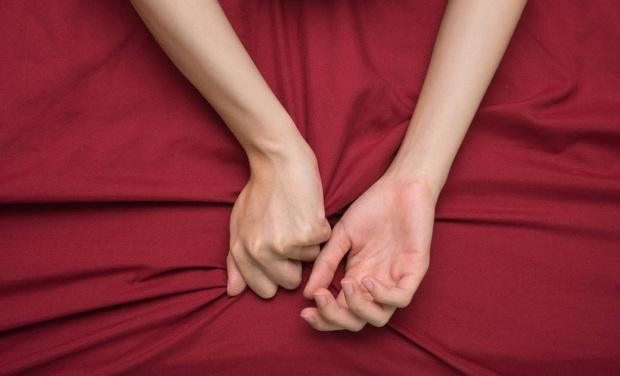 Quan hệ tình dục qua đường cửa sau: khoái cảm cũng có mà tai nạn cũng có - Ảnh 1.