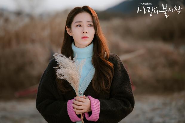 """Sốc trước bí mật của chị đẹp Son Ye Jin để có được nhan sắc đỉnh cao trong """"Crash Landing On You"""": Đẳng cấp tự tin đến mức chỉ cần mặt mộc cùng son bóng lên hình - Ảnh 2."""