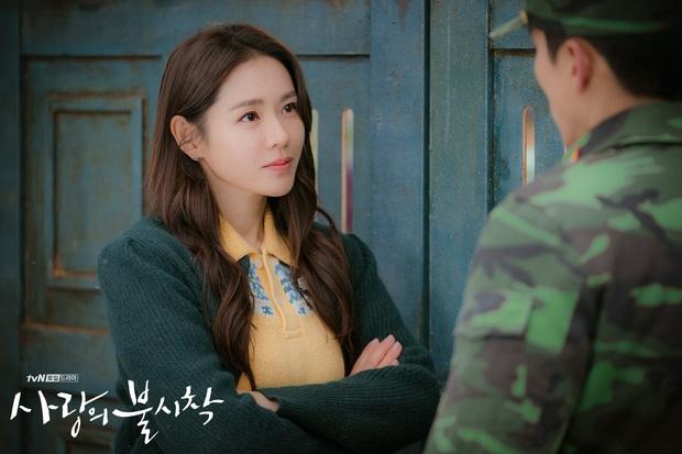 """Sốc trước bí mật của chị đẹp Son Ye Jin để có được nhan sắc đỉnh cao trong """"Crash Landing On You"""": Đẳng cấp tự tin đến mức chỉ cần mặt mộc cùng son bóng lên hình - Ảnh 3."""