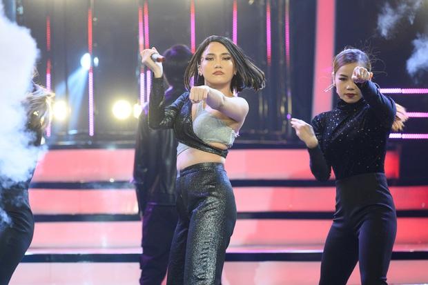 Giả 4 nữ ca sĩ hàng đầu Vpop, Nhật Thủy ẵm ngay ngôi Quán quân Gương mặt thân quen 2019! - Ảnh 7.