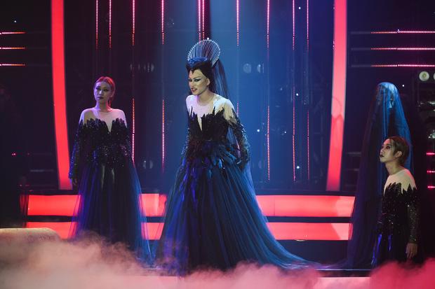 Giả 4 nữ ca sĩ hàng đầu Vpop, Nhật Thủy ẵm ngay ngôi Quán quân Gương mặt thân quen 2019! - Ảnh 10.