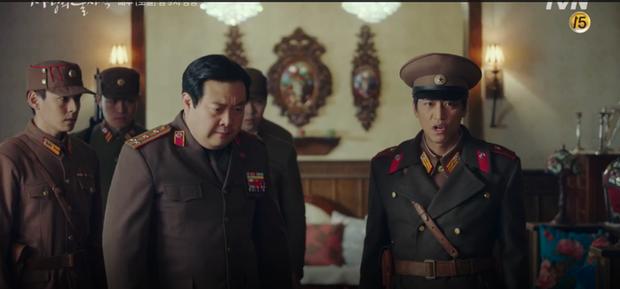 Đánh sếp ngã ngửa vì dọa tra tấn Son Ye Jin, Hyun Bin bị hội đồng tơi tả trong tập 9 Crash Landing on You - Ảnh 12.