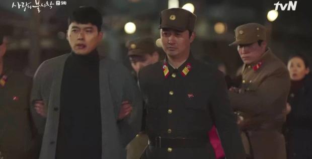 Đánh sếp ngã ngửa vì dọa tra tấn Son Ye Jin, Hyun Bin bị hội đồng tơi tả trong tập 9 Crash Landing on You - Ảnh 4.