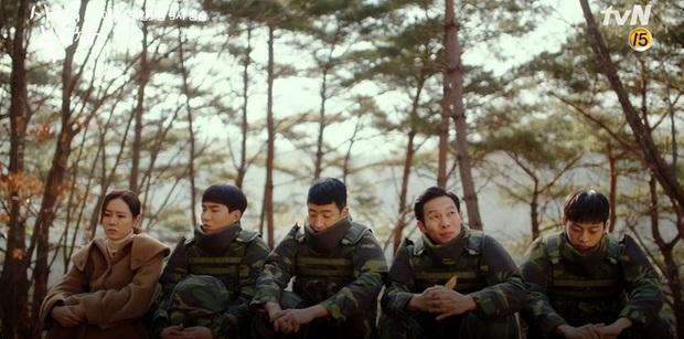 Đánh sếp ngã ngửa vì dọa tra tấn Son Ye Jin, Hyun Bin bị hội đồng tơi tả trong tập 9 Crash Landing on You - Ảnh 13.