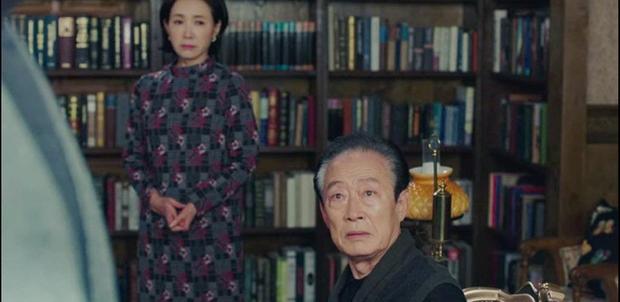 Hot nhất tập 9 Crash Landing on You: Bố chồng Son Ye Jin cạn lời nhìn quý tử Hyun Bin xà nẹo con dâu  - Ảnh 2.