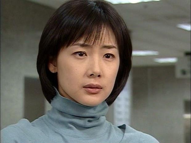Nữ chính Bản Tình Ca Mùa Đông làm cameo ở Crash Landing On You: Chị đẹp xuất hiện trong ngày Bắc - Nam thống nhất? - Ảnh 7.
