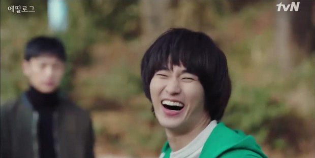 Cực nóng: Cụ giáo Kim Soo Hyun chính thức tái xuất, hóa điệp viên giả ngốc trong tập 10 Crash Landing on You! - Ảnh 2.