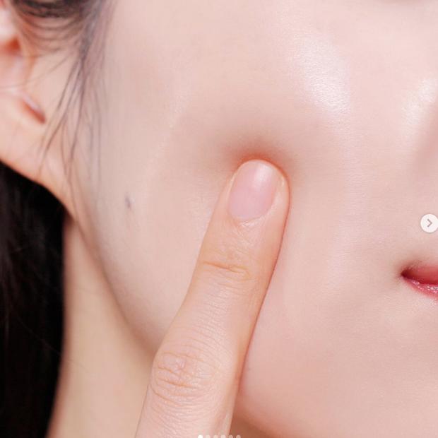 Xu hướng tạo da bán lì đang hot tại Hàn Quốc hoá ra là nhờ loại kem nền dạng lai nhìn như hộp cushion - Ảnh 12.