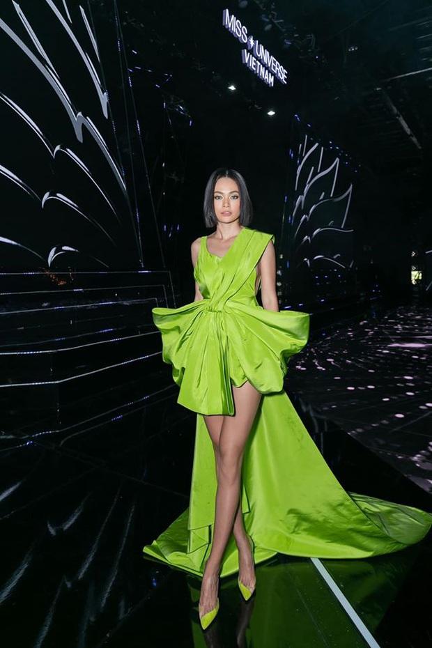 Cùng diện đầm của NTK Công Trí: Hoàng Thùy – Mâu Thủy – Min vẫn tạo nên màn so kè phong cách khác biệt - Ảnh 4.