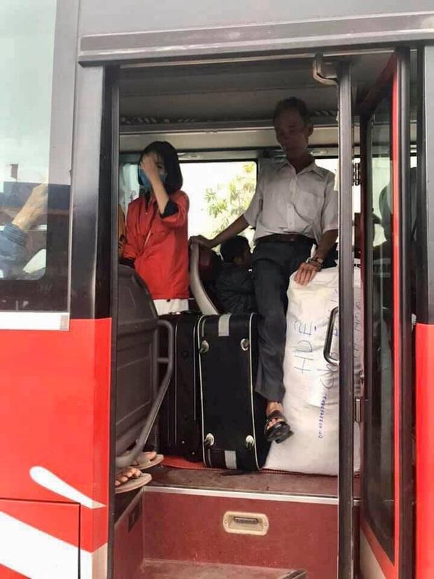 Người dân về quê nghỉ Tết bị nhồi nhét, sang xe giữa đường bức xúc đòi tẩy chay nhà xe - Ảnh 7.