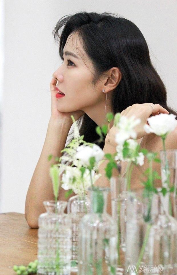 """Sốc trước bí mật của chị đẹp Son Ye Jin để có được nhan sắc đỉnh cao trong """"Crash Landing On You"""": Đẳng cấp tự tin đến mức chỉ cần mặt mộc cùng son bóng lên hình - Ảnh 24."""