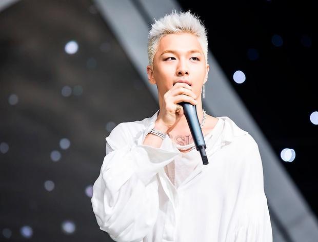 Nam idol Gen 2 có quá khứ nghèo khổ, phải rời nhà từ năm 13 tuổi, đổi đời sau khi đóng MV và giờ là thành viên nhóm nhạc huyền thoại Kpop - Ảnh 11.