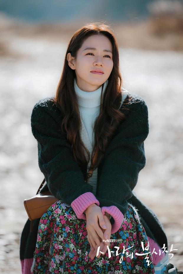 """Sốc trước bí mật của chị đẹp Son Ye Jin để có được nhan sắc đỉnh cao trong """"Crash Landing On You"""": Đẳng cấp tự tin đến mức chỉ cần mặt mộc cùng son bóng lên hình - Ảnh 4."""