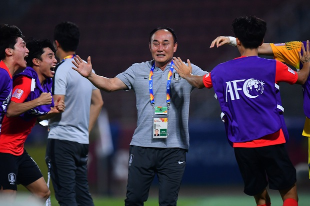 U23 Hàn Quốc vào bán kết U23 châu Á 2020 đầy kịch tính bằng siêu phẩm ở phút cuối cùng - Ảnh 4.