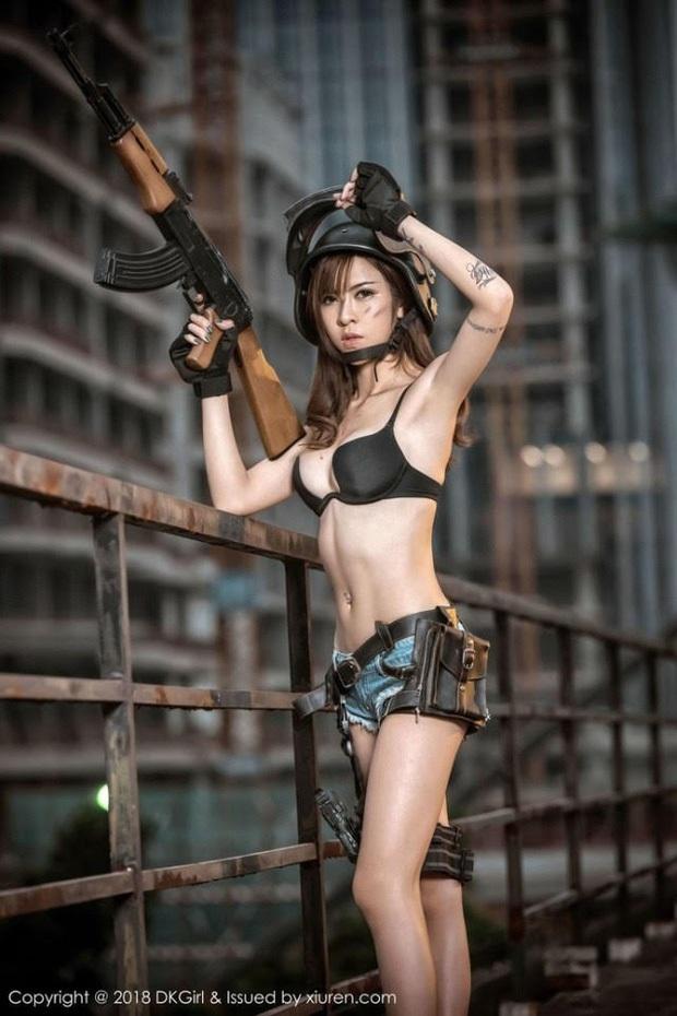 Chiêm ngưỡng những bộ cosplay PUBG nóng bỏng mắt, chỉ nhìn thôi đã muốn vác súng lên chạy bo - Ảnh 19.
